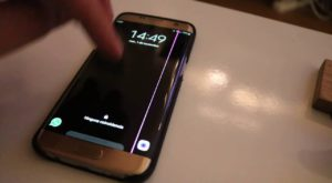 Galaxy S7 Edge a început să afișeze linii roz pe ecran