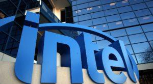 Intel ar putea lansa un laptop curbat, de tip 2 în 1