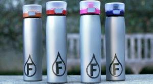 Sticla inteligentă poate schimba modul în care percepem gustul apei [VIDEO]