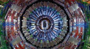 Cinci noi particule au fost descoperite de către acceleratorul de particule LHC