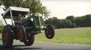 Poți conduce un tractor pe drumurile publice fără să ai permis de conducere