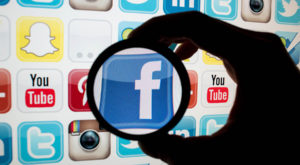 Uniunea Europeană vrea să oblige rețelele sociale să elimine conținutul abuziv