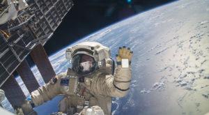 Google te trimite în spațiu să vezi Stația Spațială Internațională