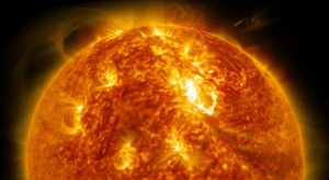 Cea mai puternică erupție solară confirmă o teorie despre Soare