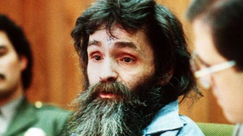 Charles Manson și filmele care îți arată viața unei minți criminale