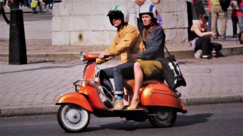 10 numere de referință din istoria scuterului Vespa