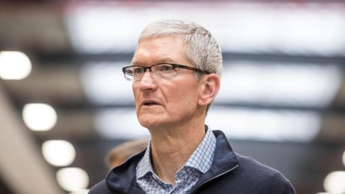 apple scuze iPhone lent tim-cook