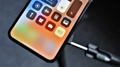 Apple negociază intens cu Samsung pentru viitorul iPhone