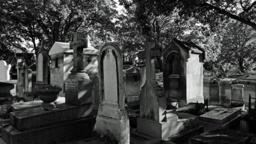 Firma de pompe funebre care folosește inteligența artificială ca să vorbești cu morții
