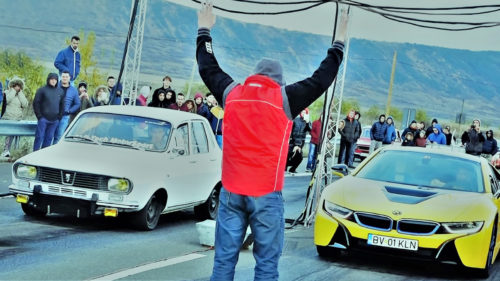 Dacia masina versus BMW cursa