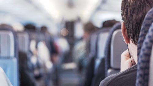 Cum să îți alegi cel mai bun loc din avion de fiecare dată