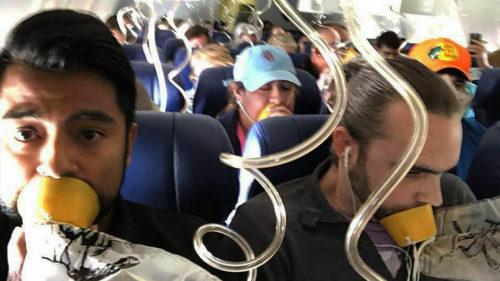 Cum și de ce trebuie să-ți pui corect masca de oxigen din avion
