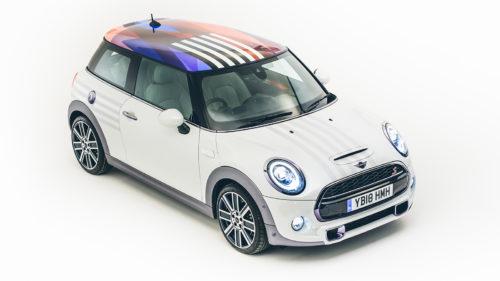 Mașina specială creată de Mini pentru nunta Prințului Harry