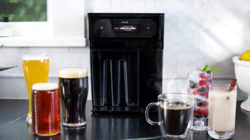 Aparatul cât o cafetieră care face bere și pe care ai vrea să-l ai