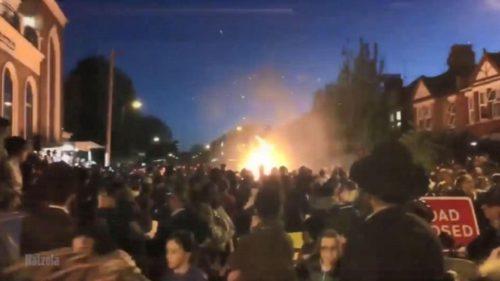 Incendiul din Londra a pornit din prostia de-a arunca în foc un telefon