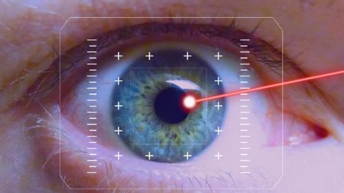 De ce e o idee cât se poate de proastă să te uiți la un laser de jucărie