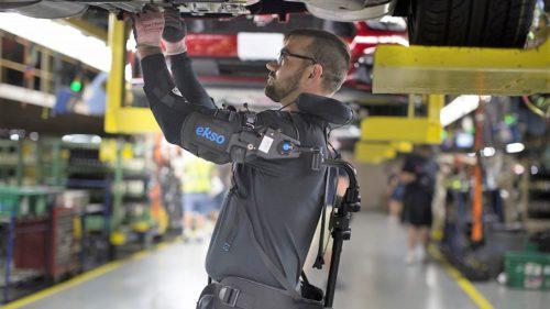 Compania unde devii un soi de cyborg ca să fii mai eficient
