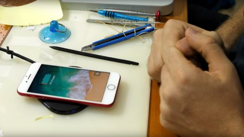 Cum pui încărcare wireless pe un iPhone, deși poate n-ar trebui