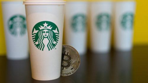 De ce s-a băgat Starbucks în lumea monedelor virtuale ca Bitcoin