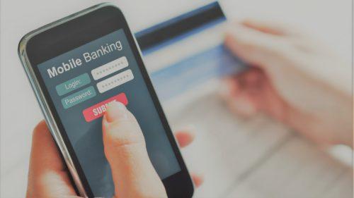 Tot mai mulți viruși de smartphone vor să-ți fure banii