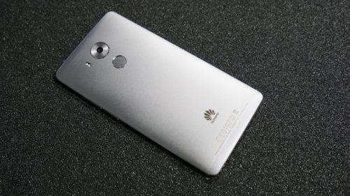 Huawei te minte în teste, iar argumentul pentru care o face e penibil