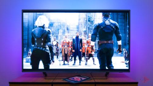 TEST Philips 7303 – Televizorul cu Android care îți colorează divertismentul
