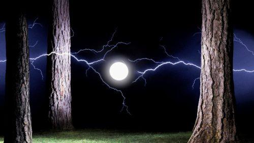 Misterul fulgerului globular, fenomenul care a speriat zeci de generații
