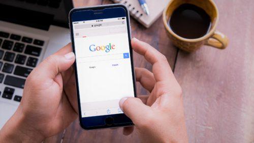 Google reinventează internetul ca să fii și mai leneș când cauți ceva