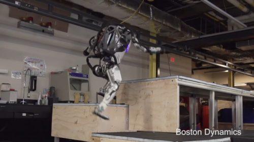 Boston Dynamics îți arată viitorul Terminator într-un clip de parkour