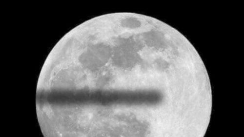 Cum își explică conspiraționiștii cu Pământul plat eclipsa care a trecut