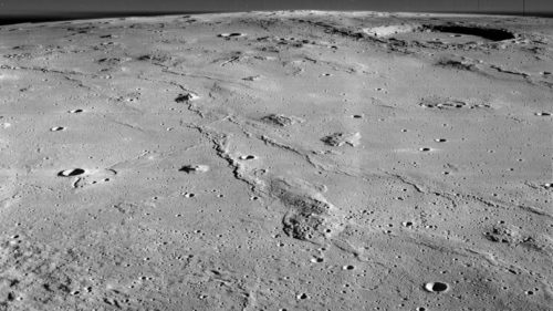 De ce se apucă NASA să sape o peșteră uriașă în suprafața Lunii